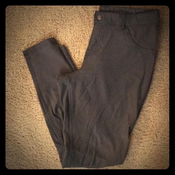 HUE Pants - Hue Denim Jegging Skinny